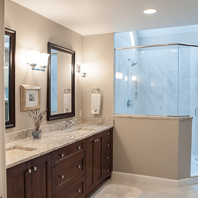 spacious master bathroom design and building1